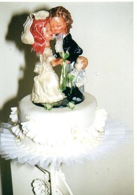 Seidenzucker Hochzeitspaar mit Kind