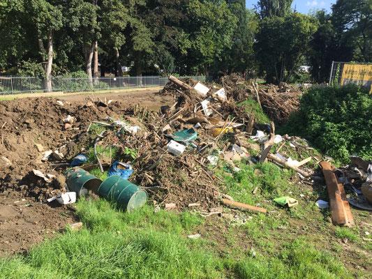 """Müll aus dem Hochwasser ist immer noch """"überall"""" sichtbar"""