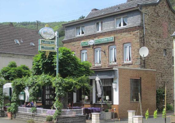 Der ehemalige Gasthof Krämer-Koch in Laach sollt eigentlich die Heimat für eine 6-köpfige Familie werden ... diesen Traum hat das Hochwasser zerstört.