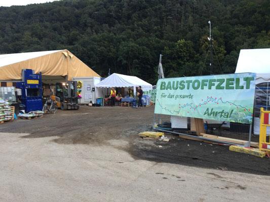 """Ein """"Baumarkt-Zelt"""" für Betroffene. Auswählen und kostenlos mitnehmen. Eine Mega-Hilfe im Ahrtal!"""