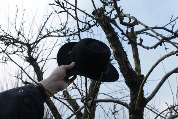 Wenn ein Hut zwischen die Äste passt, hat der Obstbaum Luft