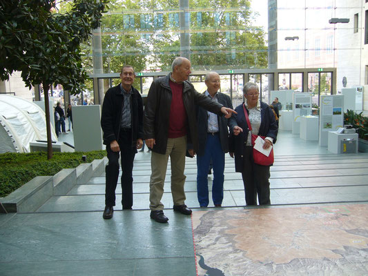 Nach der Stadtrundfahrt stand die Besichtigung des Foyer im Auswärtigen Amt an