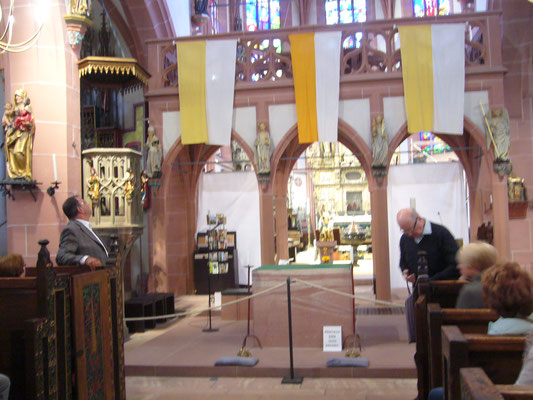 Besichtigung  der St. Valentinuskirche in Kiedrich