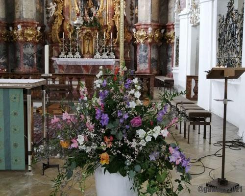 wunderschönes Blumenarrangement