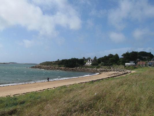 der Strand lädt zu einem Spaziergang ein