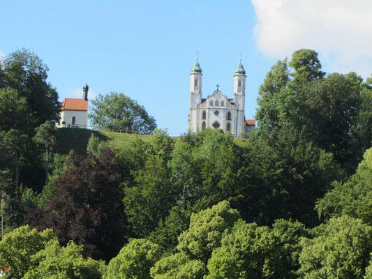 Kirche über Bad Tölz