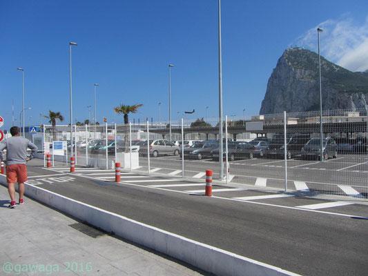 hier startet eine Militärmaschine vom Flughafen Gibraltar