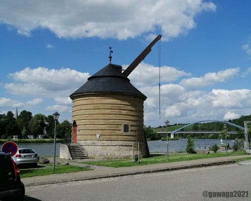 Technikdenkmal Alter Kranen am Mainufer
