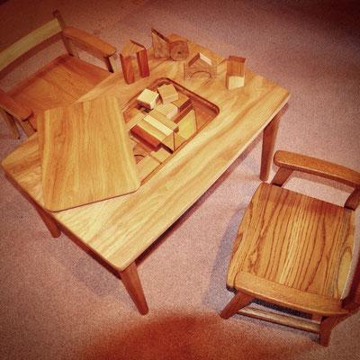子供の机と椅子