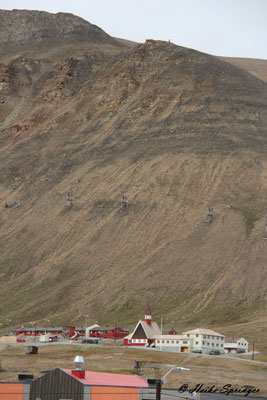 Blick auf die alte Kohleförderanlage die langsam verfällt