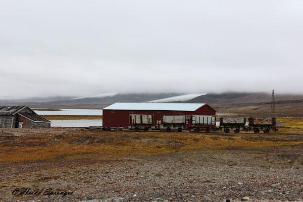 Die alte Kohlebahn von Ny Alesund (Die Lok wird gerade restauriert)