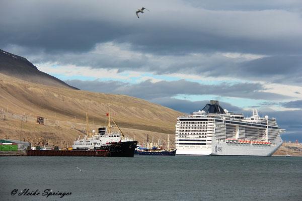 Longyearbyen - Blick auf den Hafen