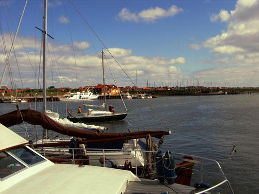 Boote im Juister Hafen