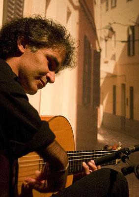 Bino Dola, live im August 2009