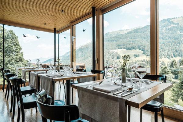 Das Restaurant mit Panoramaaussicht Richtung Kanzelwand