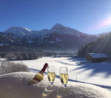 Winter im Allgäu Genuss und Erholung im Hotel Sonnenbichl wie einer Winterwanderwoche mit Meditation