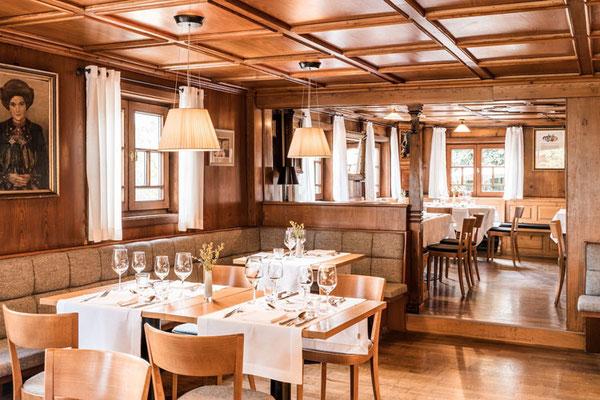 Der traditionelle Bereich des Restaurants die Walser-Stube Hotel Chesa Valisa