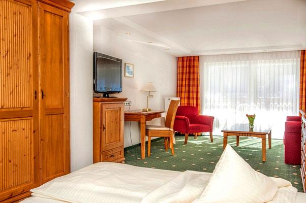 Doppelzimmer mit Südbalkon Wege zum Sein Achtsamkeit und Meditation im Allgäu im Hotel Sonnenbichl