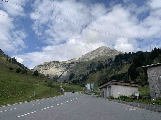 Die Galerie am Arlberg heute 22.9., wunderbar sichtbar. Das ist ja ein Klacks, da noch hochfahren.