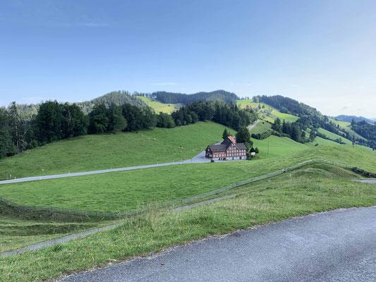 Blick auf das Gasthaus Landmark in Oberegg