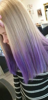 Semi öermanente Farbe die ca 15 mal Haarewaschen hält