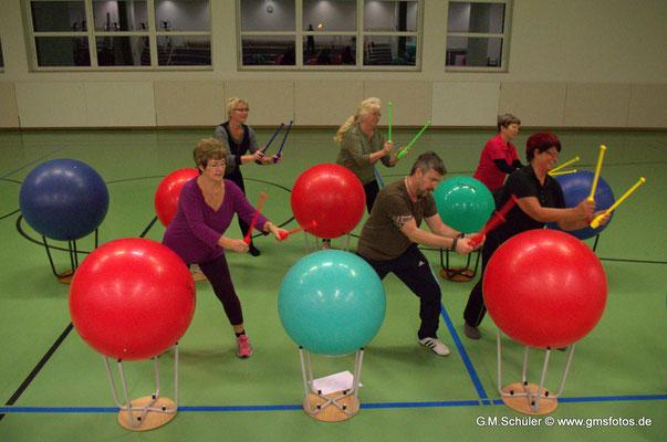 Trommeln in der Physiotherapie - Genenralanzeiger & Volksstimme Dezember 2014