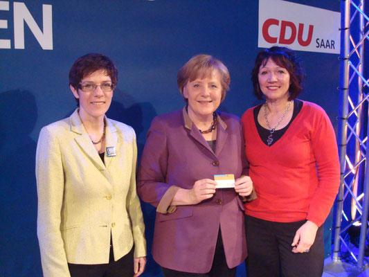 Bundeskanzlerin,  Angela Merkel mit CDU Generalsekretärin, Annegret Kramp-Karrenbauer