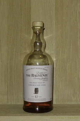 The Balvenie 12 y, 43 v%, matured in american oak, finished in virgin oak 13.00 opulent und malzig, mit schöne Vanille-Süsse, gelungen!