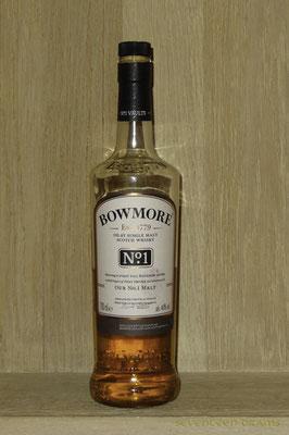 """Bowmore """"No. 1"""", 40 v%, matured in 1st fill bourbon casks 12.25 süsse Vanille mit einem Hauch von Zitrusfrüchten, schön!"""