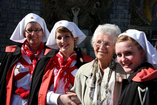 Drei Generationen in Lourdes verbunden