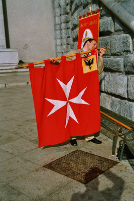 Die Fahne der Malteser