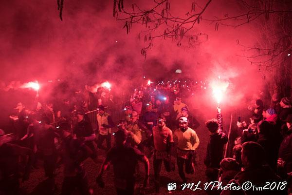Départ du nocturne : Go Laetitia ! Go Francky !  (photos du TVN)