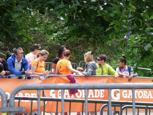 Les coureurs du 10 sont déjà dans les starting blocs : il faut que les 58-ards arrivent avant 16 h !!!