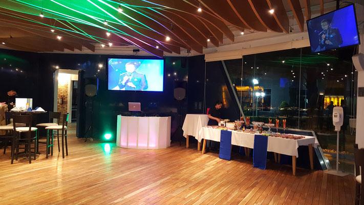 dj para fiestas en salón Marejada conexión de pantallas