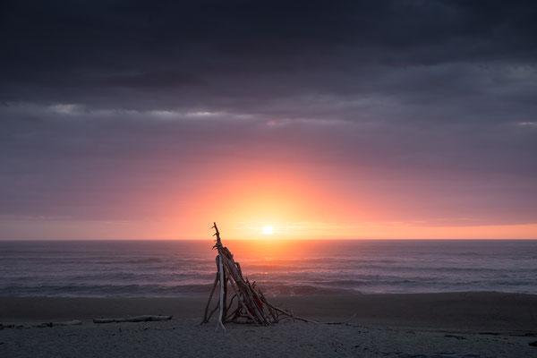 Sonnenuntergang an der Westküste Neuseelands (c) Salomé Weber