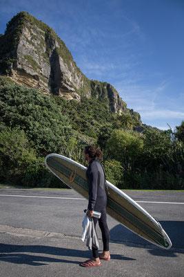 Geht man einige 100 Meter weiter die Straße hoch gibt es einen Surfspot, der auch für Anfänger geeignet ist.