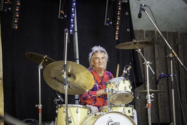 Konzert-bremervoerde-seebuehne 2020 festival-Schlagzeuger von Ian Cussick
