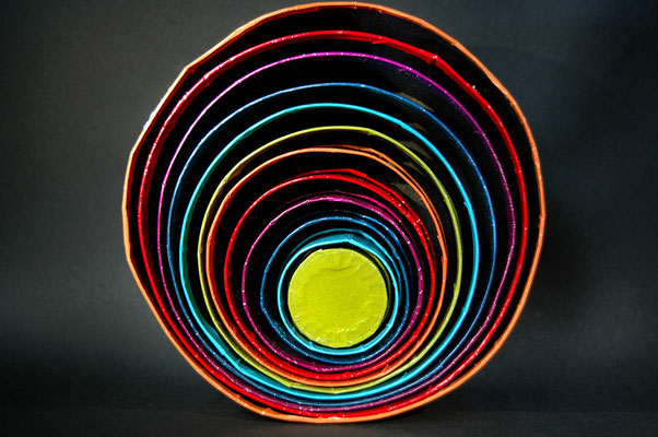 bunt-dose-viele-farben