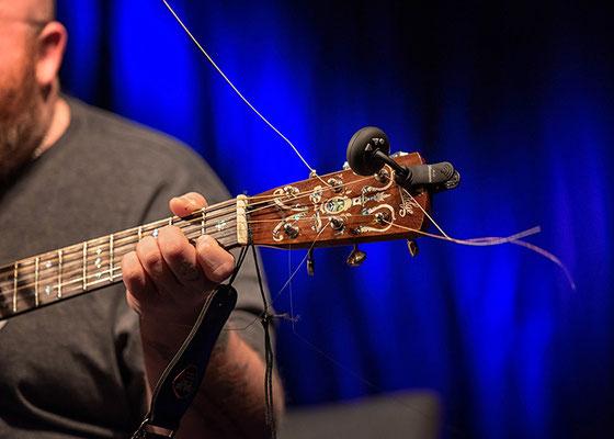 konzert-bremervoerde-horizonte 2019-andreas-kuemmert-gitarrensaite