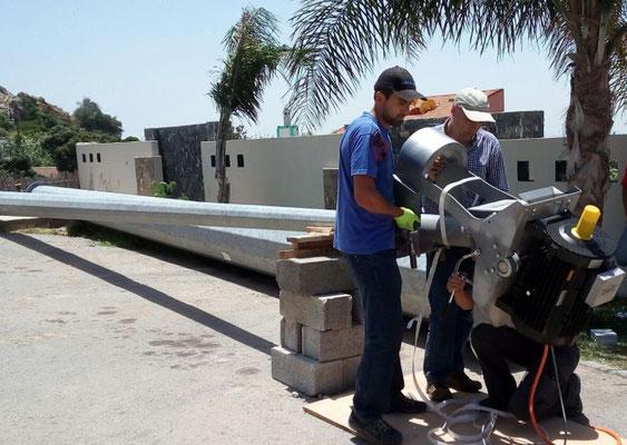 Kippmast / Kippvorrichtung für einen Freimast einer Kleinwindkraftanlage