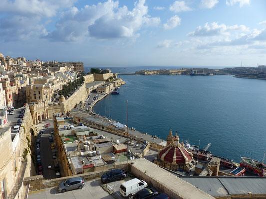Blick von den Upper Barraca Gardens auf Valletta (Copyright Hartwig Hausdorf)