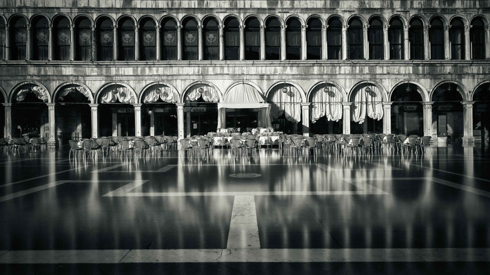 aqua alta | piazza san marco | grancaffè quadri | venice | italy 2015