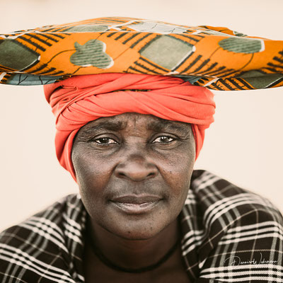 herero women kaokovled, faces of namibia