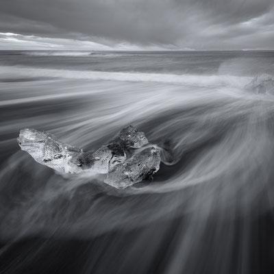 ice chunk | jökulsarlòn | iceland – 2016