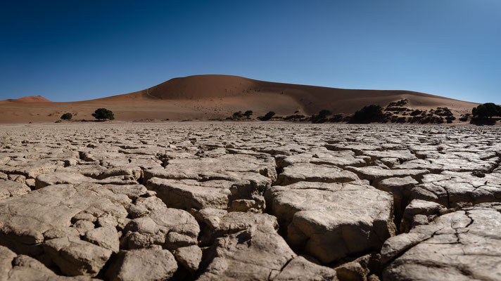 panorama | dry lake sossusvlei | namib naukluft park | namibia 2015