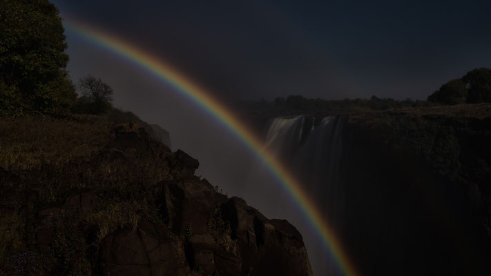 lunaric rainbow | victoria falls |simbabwe 2014