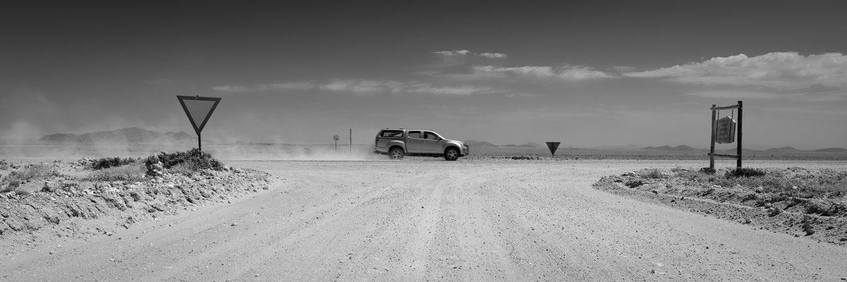 heavy traffic | namib desert | namibia 2015
