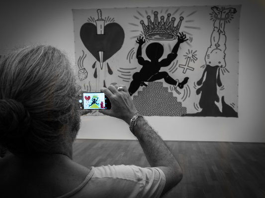 streetphotography keith haring kunsthalle münchen