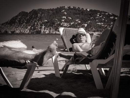 streetphotography beach playa de Aguas Blancas, Ibiza