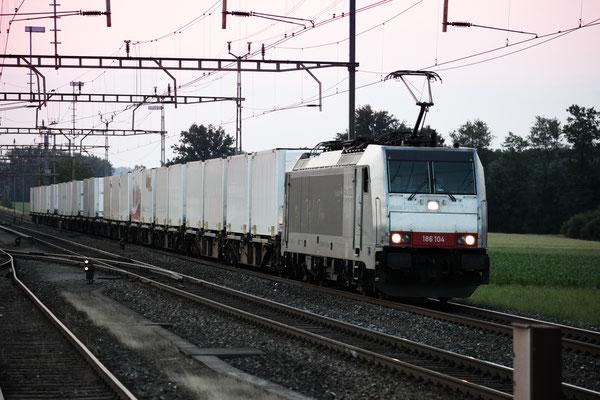 """Railcare BR 186 """"Flash Fire"""", Oberrüti (04.08.2013) ©pannerrail.com"""